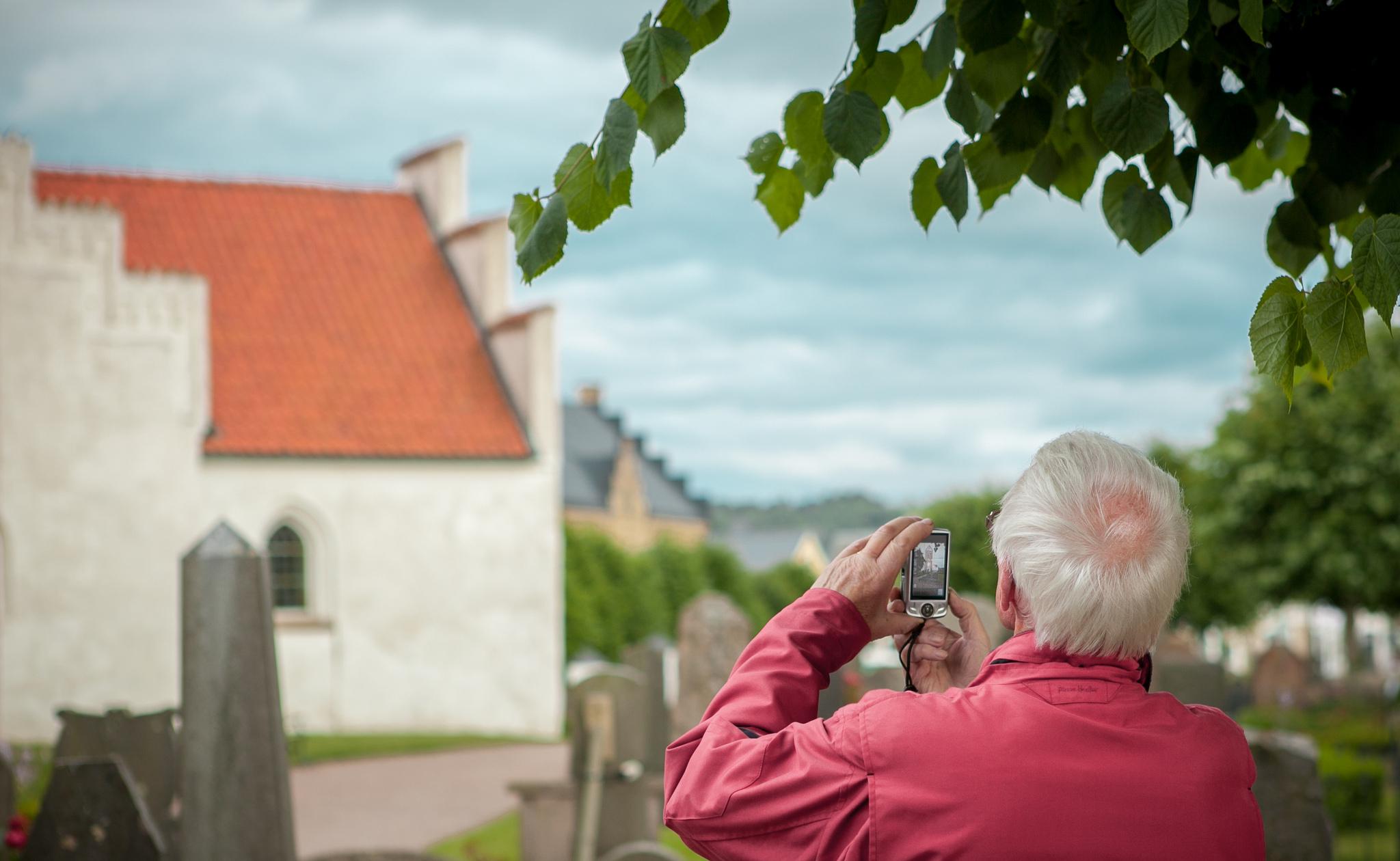 Siūlome socialinės priežiūros paslaugas senelio, ligonio ar neįgalaus žmogaus namuose Lietuvoje ir Vokietijoje.